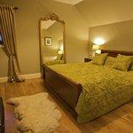 Kingsize double bedroom (Room 1)
