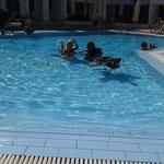 scuba dive in small pool