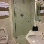Churchill Suite Main Bathroom