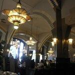 美しいアール・ヌーヴォーのカフェ・アメリカン