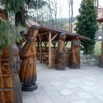 Woos statues in hotel park