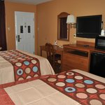 TWO BEDS EXECUTIVE SUITES
