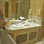 Sinks room 109
