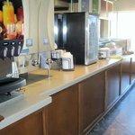 Beverage center