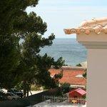 widok z okna na ocean