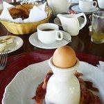 Breakfast, hidden egg