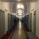 ホテル1階廊下