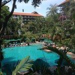 Anantara pool area