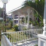 Les jardins et l'hôtel !!!