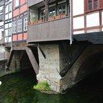 Nur von Aussen erkennt man die Brücke