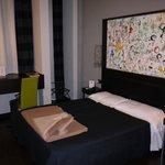 Le lit dans la chambre