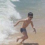 """Бегущий от волны(пляж отеля""""Bon Bien 2014г"""""""