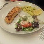 Salmon w/potatoes