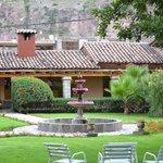 Uno de los jardines del hotel