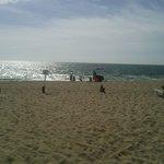 playa camarones  a las  afueras de el hotel
