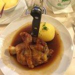 Half pork shank - Halbe Schweinshaxe mit Knoedel
