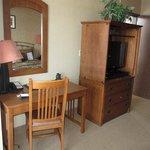Suite 401: Bedroom