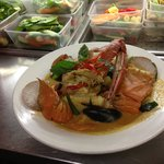 Seafood red curry