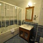 bathroom of room no 208