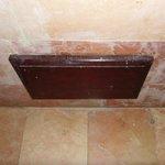 scatola impianti nel bagno (parliamo di un 5 stelle)