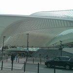 Gare de Guillemins (frente al hotel)