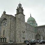 堂々たる大聖堂の外観