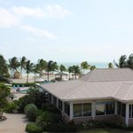 Restaurant/Pool/Partial Oceanview