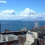 Elliott Bay & Seattle Wheel