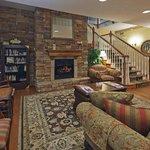 CountryInn&Suites Mansfield Lobby