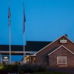 CountryInn&SuitesStPaulEast ExteriorNight