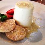 Honey & cardamon buttermilk pannacotta