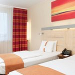Comfortable double bed rooms with air-conditioning