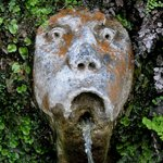 grotesque from Hundred Fountains