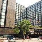 Shangri-La Kowloon--front of the hotel