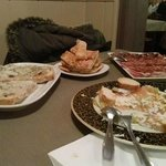 pan de coca, ibericos, carpaccio salmon y torrada de lomo con queso