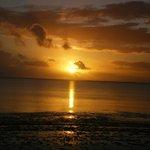 l'alba dalla spiaggia del mapenzi- da vedere almeno 1volta