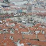 Praca da Figueira vista dal castello (hotel edifico verde)