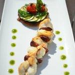 Brochette de Lotte au Chorizo, tartelette de courgette aux légumes confits et pistou