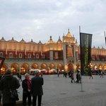 広場の中心