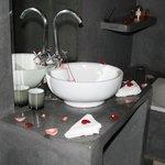 Olivia bathroom