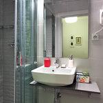 New bathroom Hotel Ginebra Barcelona