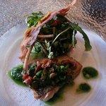 Fera (Fisch) mit Gemüse und Saucen Kombination