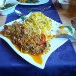 Chicken lazeez with onion rice