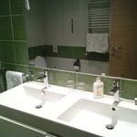 Double sink at the Bathroom