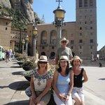 Pátio da Catedral de Montserrat