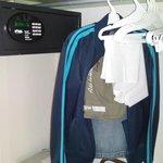 Caja de seguridad electrónica, plancha y burro
