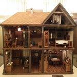 шикарный кукольный дом