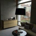 Junior Suite Living Room, facing Taipei 101
