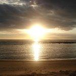 soleil couchant sur la plage