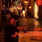 la calle del hotel de noche- Via delle Carozze